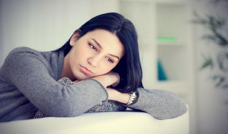 تنهایی یکی از دلایل خیانت زن ها است