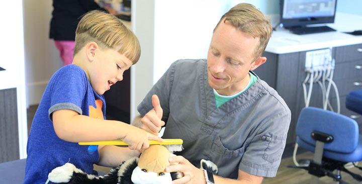 تفاوت دندانپزشک اطفال خوب با سایر دندان پزشکان
