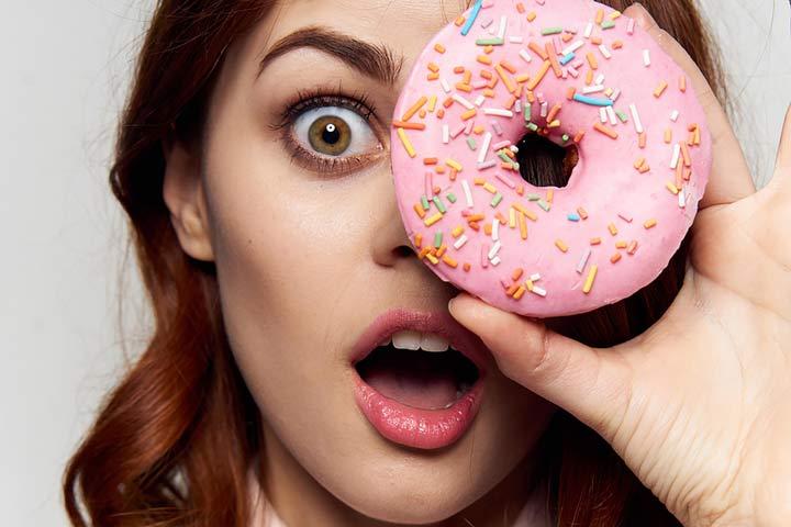 پرهیز از شیرینی در تغذیه در دوران پریود