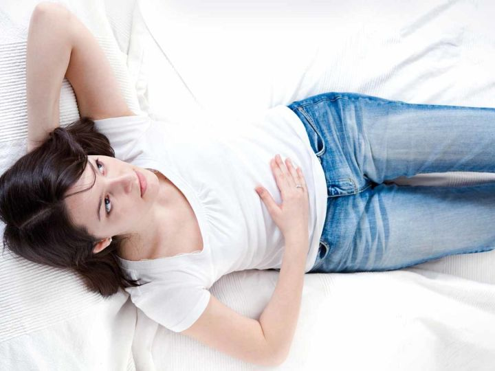 چه عواملی موجب نفخ شکم قبل از پریود می شود