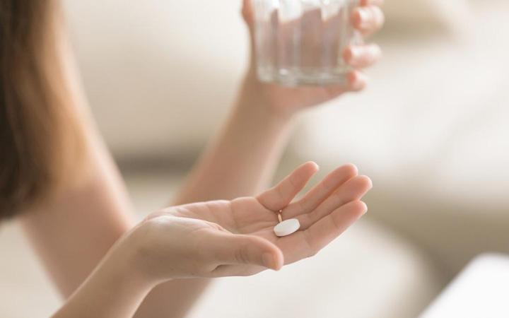 سکسومنیا - ارتباط سکسومنیا با داروها