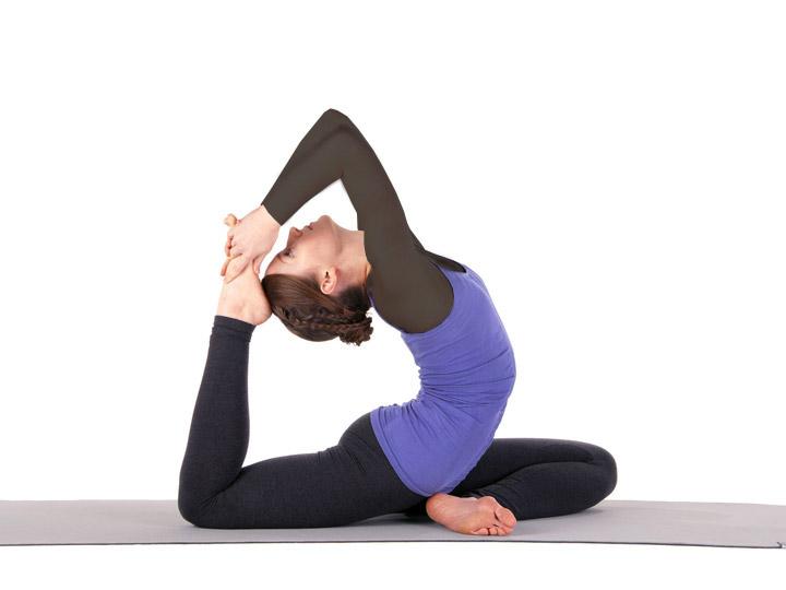 یوگا یکی از بهترین ورزش ها برای لاغری شکم و پهلو است