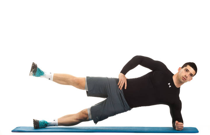 آموزش حرکت پلانک بر روی پهلو