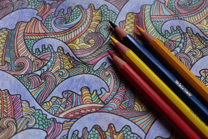 کتابهای رنگآمیزی بهترین سرگرمی برای سالمندان