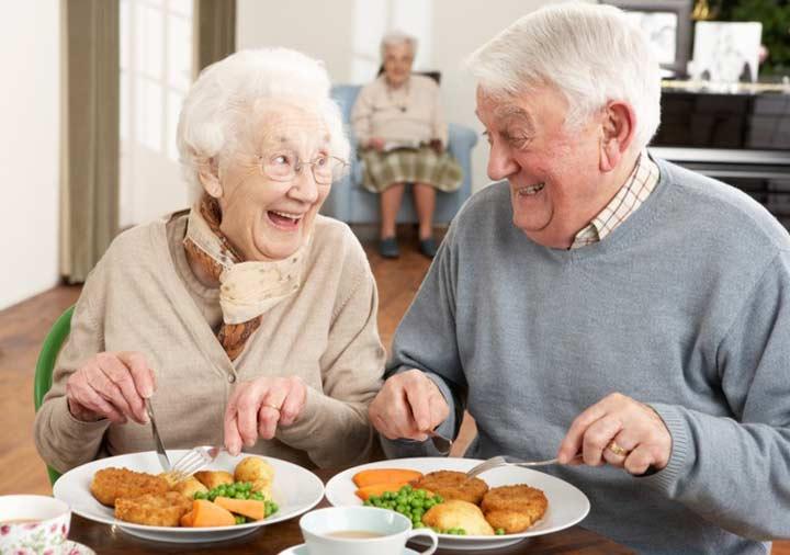 پیدا کردن رستورانهای جدید بهترین سرگرمی برای سالمندان