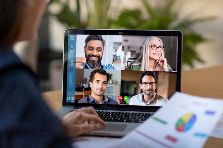 تماس تصویری گروهی کارمندان باهم روابط اعضا را بهتر میکند
