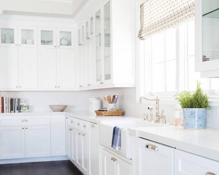 دکوراسیون کلاسیک و انتخاب پرده آشپزخانه