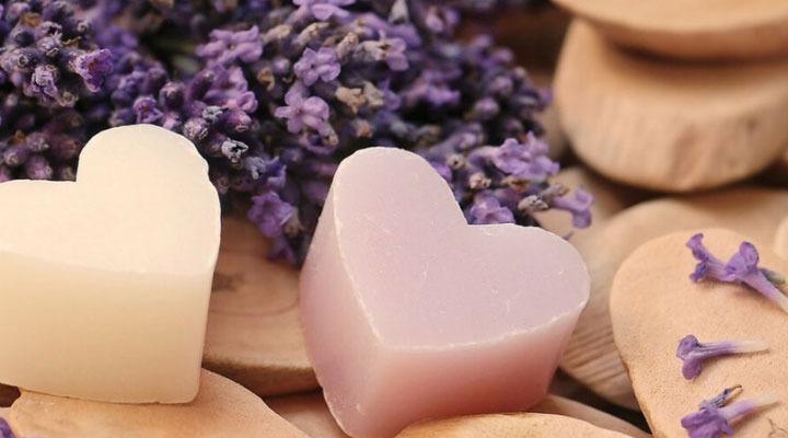 رعایت بهداشت واژن با شست و شوی آن با صابونهای ملایم