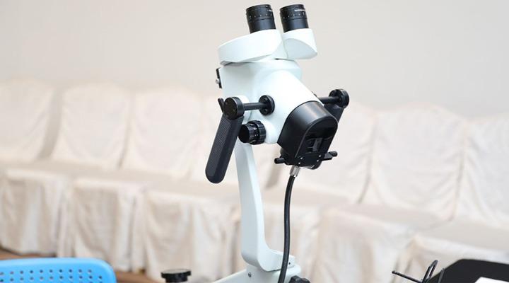 دستگاه کولپوسکوپ برای تشخیص سرطان دهانه رحم