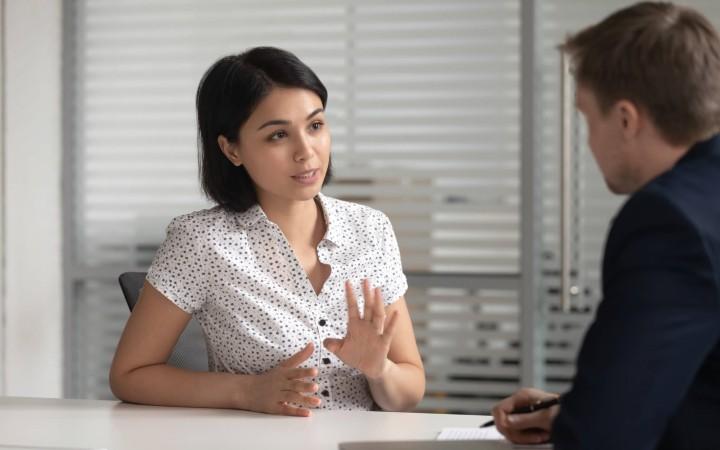 در مورد فشار کاری بالایی که تحمل می کنید با رئیس خود صحبت کنید