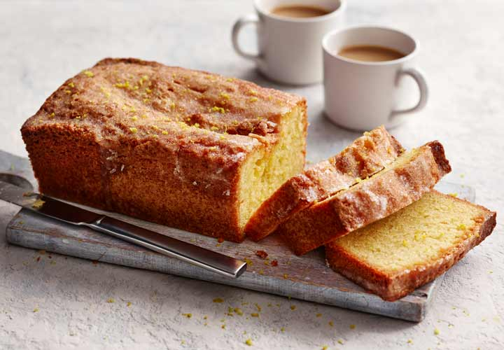 ۱۰ دسر خوشمزه بدون آرد - کیک لیمویی گزینه خوبی به عنوان یک دسر بدون آرد است.