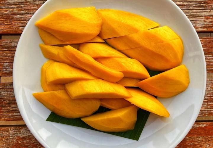 خواص انواع میوه های تابستانی - انبه سرشار از مواد مغذی است.