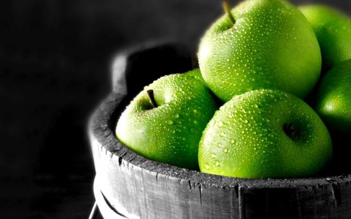 چه خوراکیهایی را نباید بهصورت خام یا نارس بخوریم - سیب