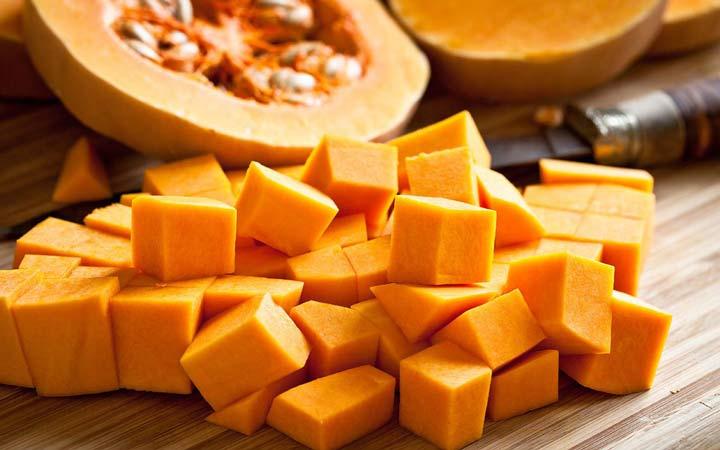 چه خوراکیهایی را نباید بهصورت خام یا نارس بخوریم - کدو تنبل