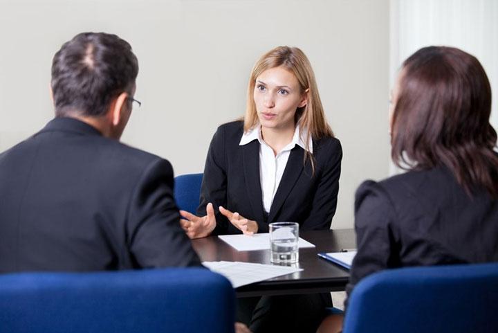 بیان خاطرات حرفهای یکی از روشهای یافتن شغل مناسب در مصاحبه شغلی . ۱۵ توصیه مهم برای اینکه زودتر استخدامتان کنند