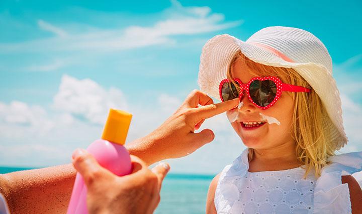 انتخاب کرم ضد آفتاب؛ در دوران تحریم و کرونا چه بخریم؟