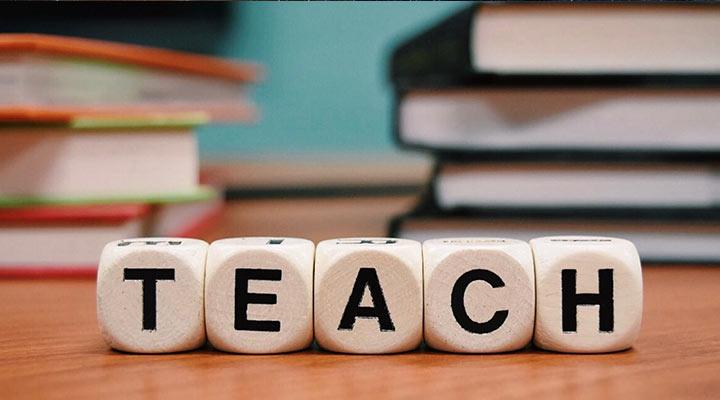آموزش زبان - تفریح در خانه در روزگار کرونایی