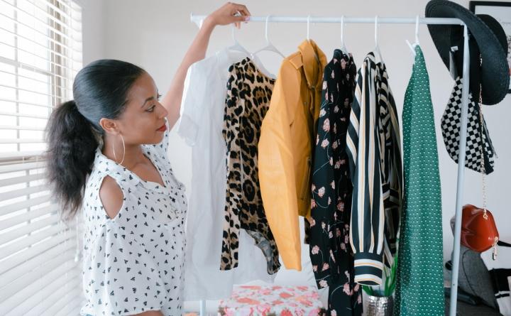 پاکسازی و سازماندهی راحتتر کمد لباسها