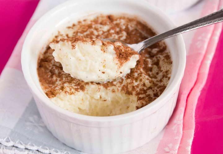 ۱۰ نوع غذای اروپایی با برنج - Arroz con leche یا پودینگ برنج از غذاهای سنتی کشور اسپانیا است.