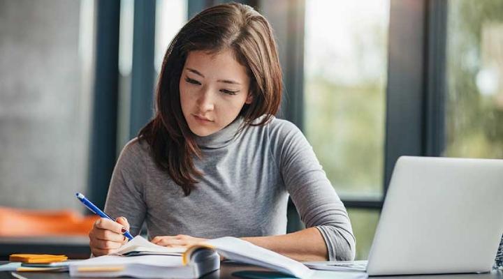 لذت مطالعه - چگونه از مطالعه کردن لذت ببریم؟