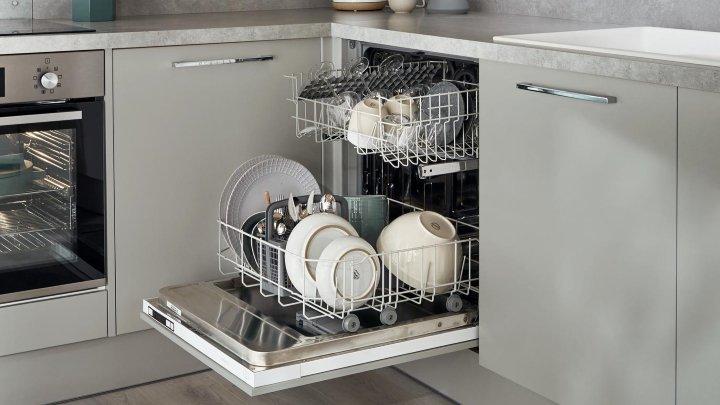 ماشین ظرفشویی را با آب اکسیژنه تمیز و ضدعفونی کنیم