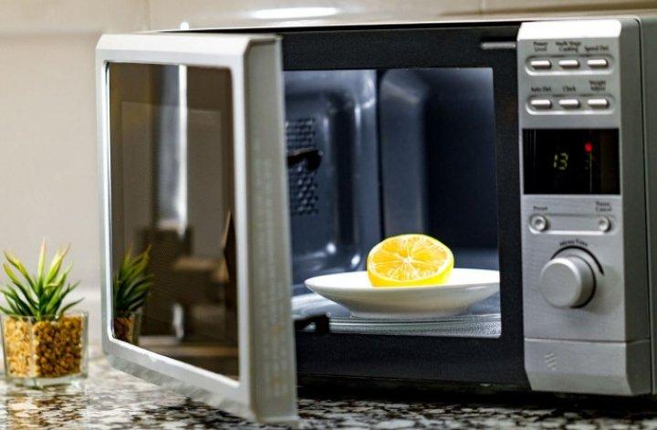 تمیز کردن مایکروفر با لیمو - تمیز کردن آشپزخانه