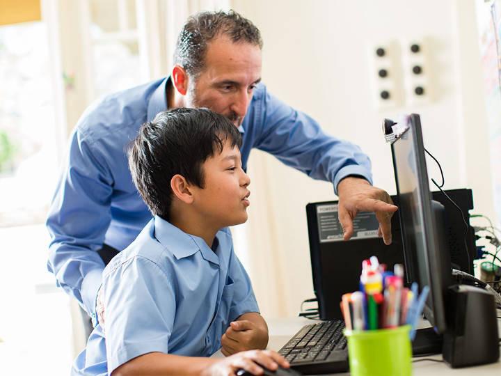 آموزش استفاده صحیح از فضای مجازی به کودک