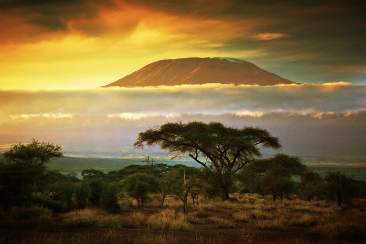 کوه کلیمانجارو از جاذبه های گردشگری قاره آفریقا