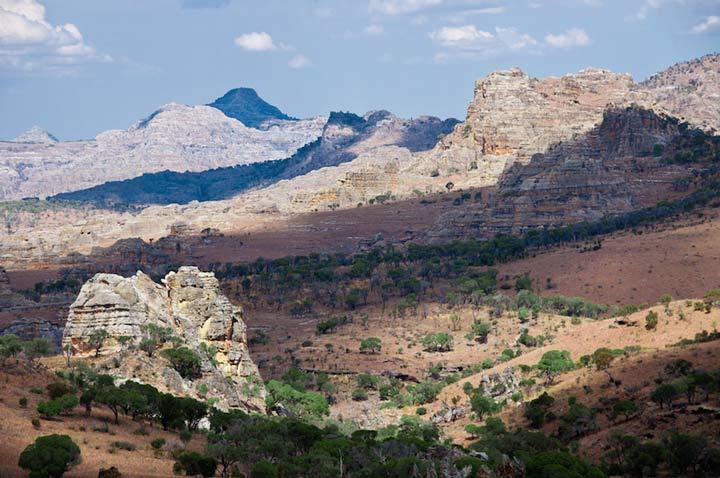 پارک ملی ایزالو ماداگاسکار از جاذبه های گردشگری قاره آفریقا