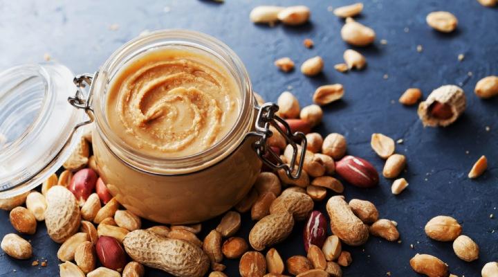 آجیلها و کرههای آنها از بهترین منابع پروتئین هستند که علاوه بر فواید بسیار، طعم خوبی هم به نوشیدنی شما میدهند.