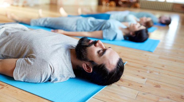 انجام تمرین تنفسی برای افزایش ظرفیت ریه
