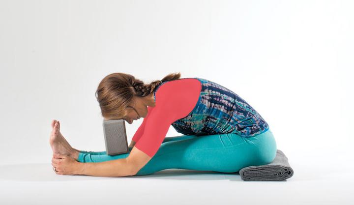 یوگا قبل از خواب - خم به جلوی نشسته