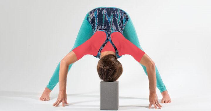 یوگا قبل از خواب - خم به جلوی پا باز