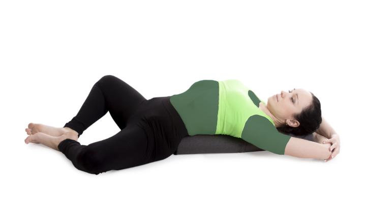 یوگا قبل از خواب - پروانه خوابیده به پشت