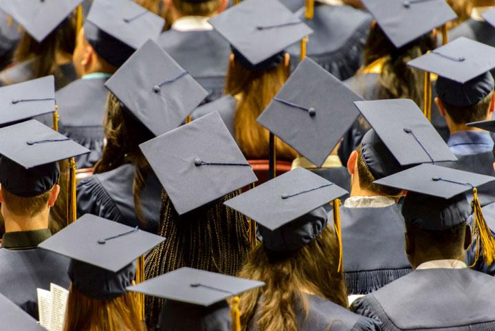 ۱۰. فقط به دانشگاه تکیه نکن؛ یادگیری هوشمندانه