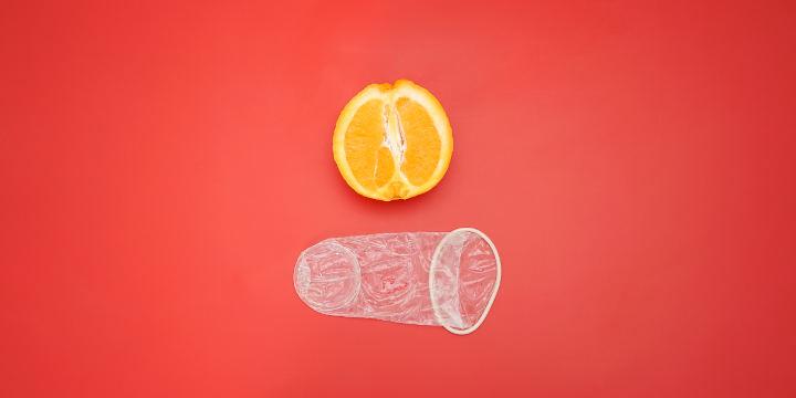 طرز استفاده از کاندوم زنانه