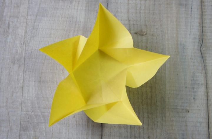 اوریگامی ستاره مرحله ۴