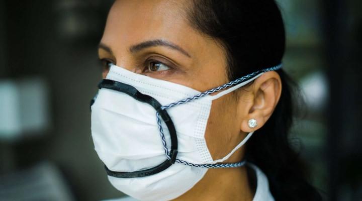 استفاده از نگهدارنده دهانی برای ماسک - استفاده از دو ماسک