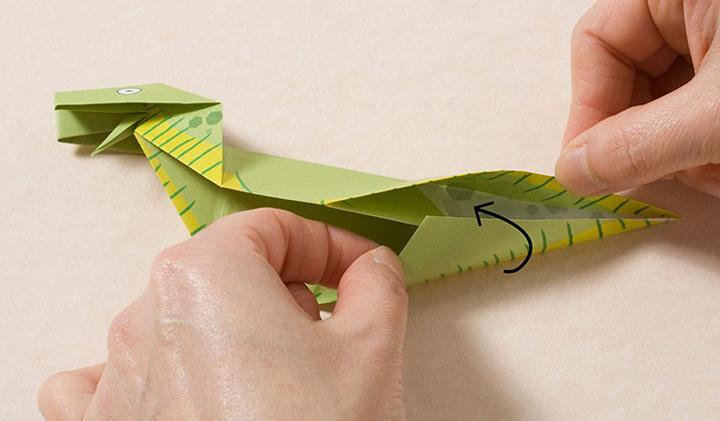اوریگامی دایناسور مرحله ۱۰