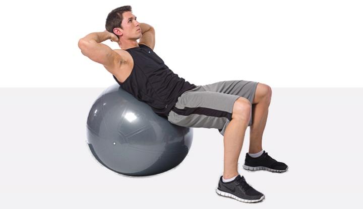 حرکت دراز نشست با توپ ورزشی