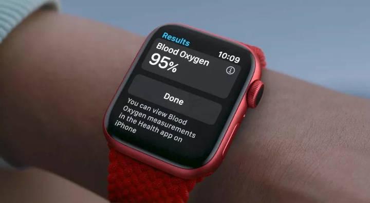 سنجش میزان اکسیژن موجود در خون با استفاده از ساعت و دستبند هوشمند