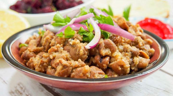 غذا برای افطاری و سجر - از غذاهای مناسب ماه رمضان میتوان به فول مدمس اشاره کرد.