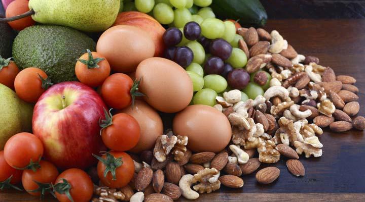 رژیم غذایی با شاخص گلیسمی پایین و اثرات آن بر سلامت و کاهش وزن - انواع مغزها، پروتئین و برحی میوهها و سبزیجات برای رژیم غذایی با شاخص گلیسمی پایین مناسب هستند.