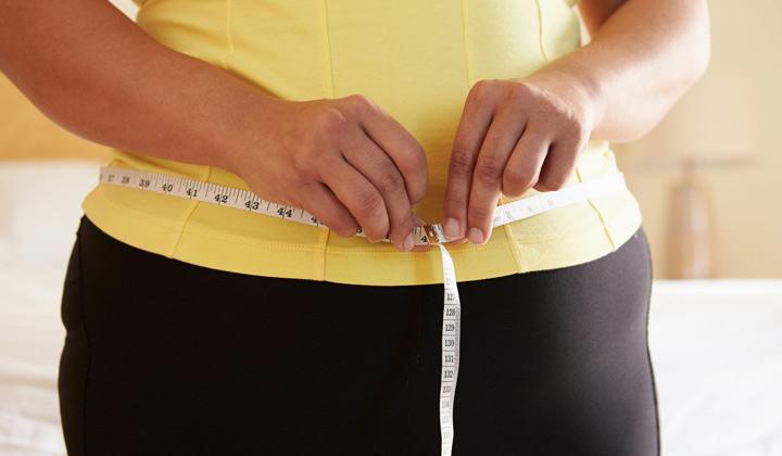عوارض آسپارتام - آیا آسپارتام بر وزن افراد تأثیر میگذارد؟