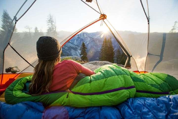 داشتن خواب بهتر و تماشای طلوع صبح، یکی از فواید کمپینگ