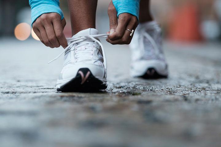 انواع کفش ورزشی - کفشهای پیادهروی