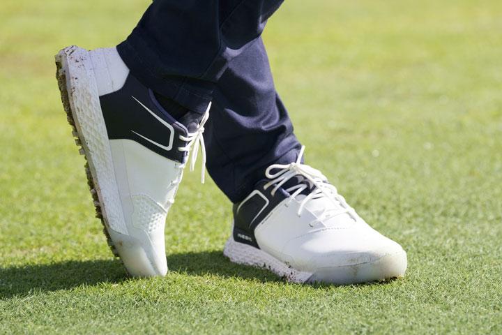انواع کفش ورزشی گلف