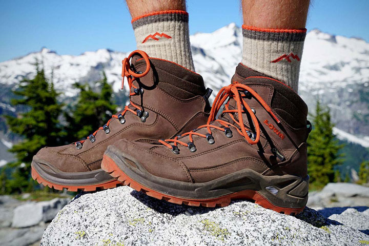 انواع کفش ورزشی کوهنوردی