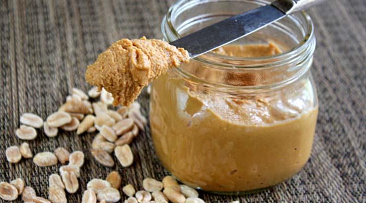 طرز تهیه کره بادام زمینی - برای تهیه کره بادام زمینی باید بر روی بادام زمینی تغییراتی ایجاد بشود.
