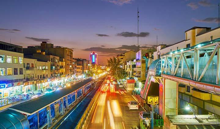تهران گردی در خیابان انقلاب